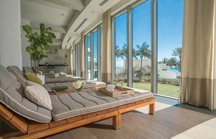relaxation-room-esencia-wellness-eden-roc-miami-beach